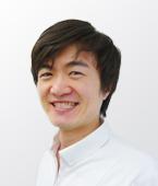 歯科医師 内田 悠志